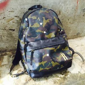 スタッフの通勤バッグ