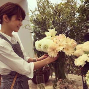 「母の日」にご紹介したい元日本代表・鈴木啓太さんの奥様でモデルの畑野ひろ子さんのフラワーアレンジメント