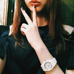 モデルの八木アリサさんも、玉城ティナさんとお揃いのD1ミラノを着用中♡