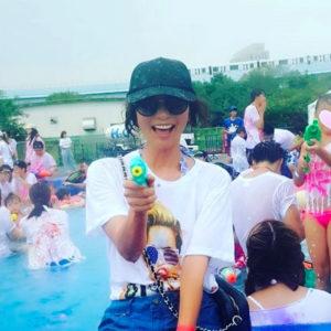 VERY専属モデル・佐藤純さんがSPENDのTシャツを愛用♡