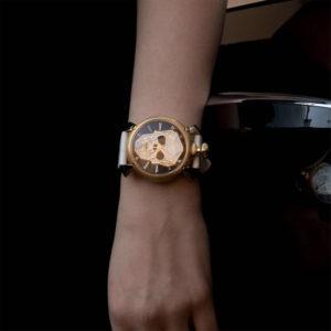 """重厚感のある腕時計で大人な腕元に仕上げる!ガガミラノの""""BIONIC SKULL"""""""