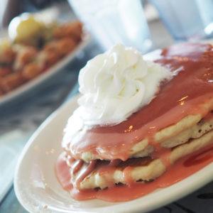 食べるの大好き!ハワイでピンクのパンケーキのお店 Cinnamon'sへ♡