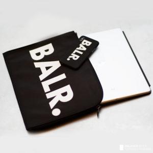 BALR.|毎日使う物だからこそ存在感を出したい!PCケースとiPhoneケースをご紹介!