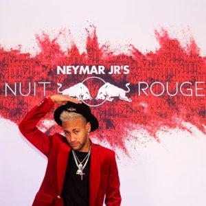 テーマは「赤い夜」!ネイマール選手のバースデーパーティーに約500人が祝福に駆けつける!!