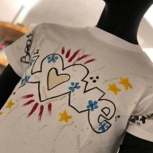 Tシャツの季節がやってきた!一足早く夏気分を味わえるTシャツ!!