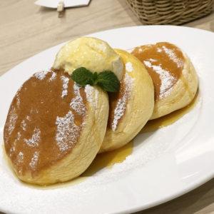 世界一のふわふわ食感に夢中!『幸せのパンケーキ』