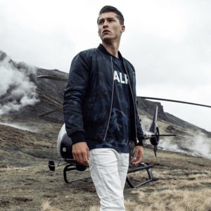 "BALR.|新登場のネイビー迷彩""GUN METAL BADGE CAMO BOMBER JACKET""!!"
