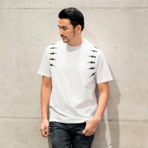 Neil Barrett|さり気ないインパクトで攻める!サイドボルトTシャツ!!