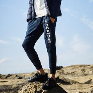 GIOCATORE ロゴで魅せる!極上の履き心地が魅力のスウェットパンツ!