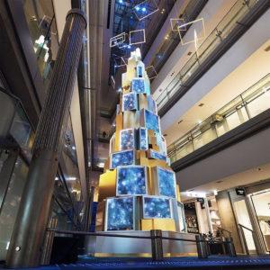バランススタイル表参道ヒルズ|大注目のデートスポットに!水で魅せるクリスマスツリーが展示中!!
