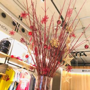 バランススタイル大阪|レッドが映えるクリスマスモードで華やかに!