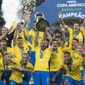 サッカーファン必見!「オール・オア・ナッシング・サッカーブラジル代表の復活」を見てみた!