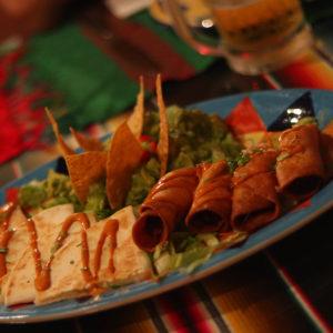 千駄ヶ谷屈指のメキシコ料理「FONDA DE LA MADRUGADA」へ!