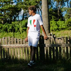 トリコロールのTシャツはまだまだ続く暑い季節にぴったりの1枚!