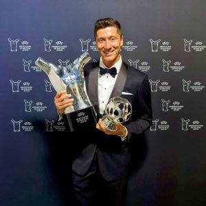 CL王者バイエルンに所属するレヴァンドフスキがUEFA男子最優秀選手賞を獲得!