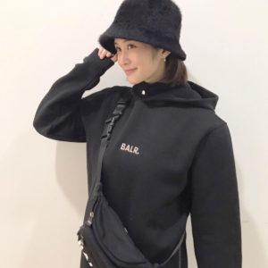 """グラビアアイドル、女優として活躍の""""髙橋凛""""さんが""""BALR.""""ブラックコーデをお披露目!"""