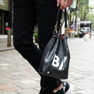 オールシーズン活躍するバッグはコンパクトで大容量の大人気コラボアイテムを!