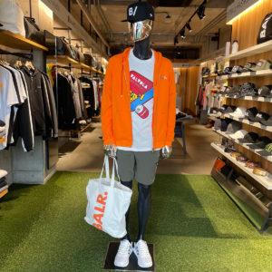 バランススタイル大阪|POPなカラーとデザインで気分を上げる着こなしに!