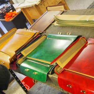 LEANDRI | 職人が一点一点手作りするバッグ
