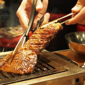 アラカルトも絶品!ガツンと焼肉を食べたい時は「ふたご」!