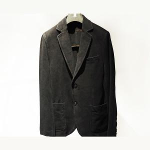 伸びる素材が大好評♪着回し力バツグンの「チルコロ」ブラックジャケットが登場!