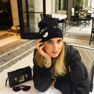参考にしたい!キアラ・フェラーニのロックなニット帽子の上手な使い方♡