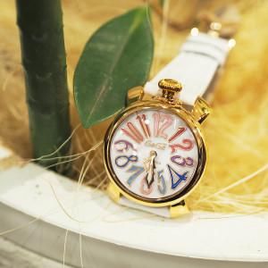【再入荷】時計も衣替え♪ガガミラノのベルトを付け替えて秋気分に♡